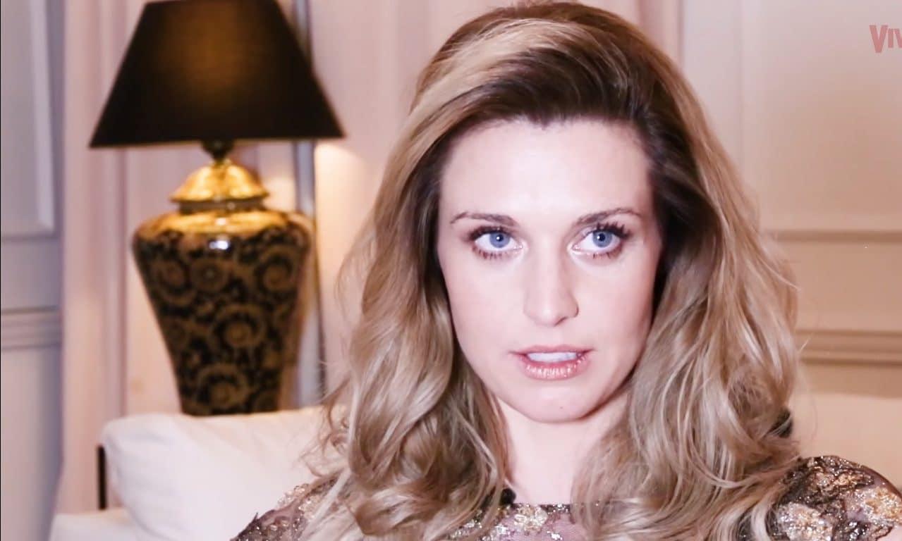 Julia KAMIŃSKA pochwaliła się uwodzicielskimi FOTKAMI z KĄPIELI! Aktorka wygląda jak grecka BOGINI! (foto)