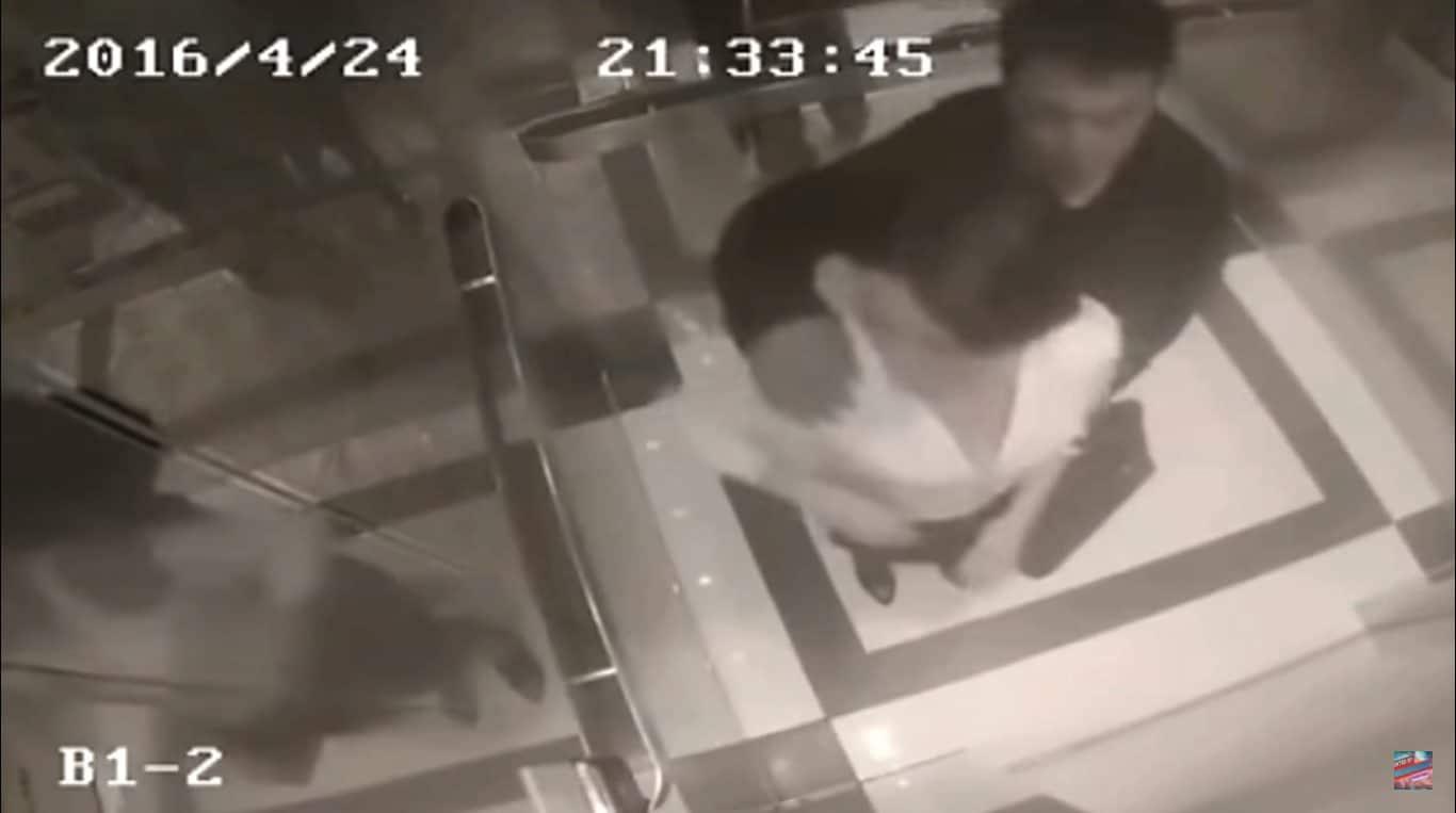 Wpadła mu w OKO więc zaczął ją obmacywać w WINDZIE! Chwilę później dostał od niej BOLESNĄ NAUCZKĘ, którą zapamięta do końca ŻYCIA! (wideo)