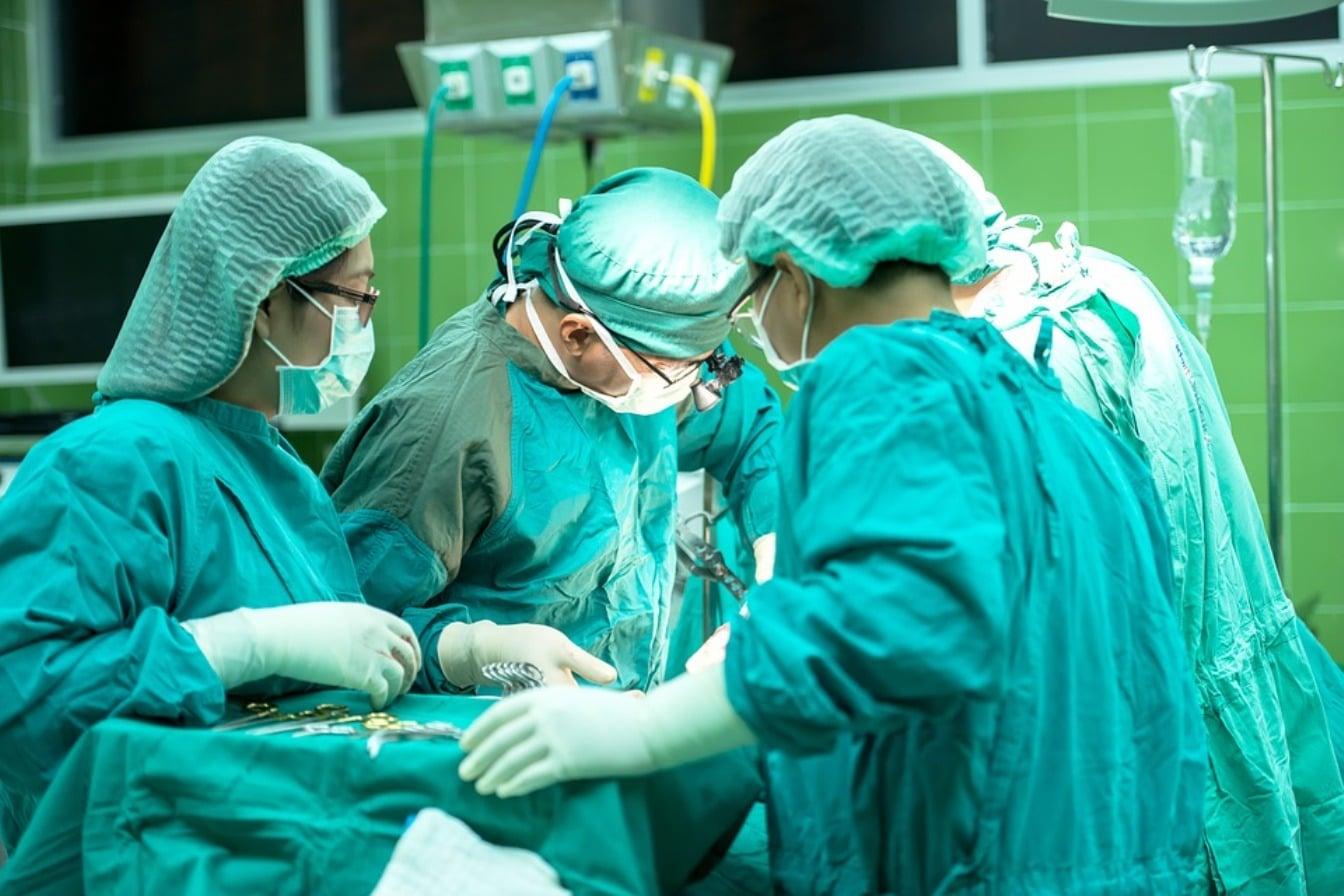Lekarze byli pewni, że NOWOTWÓR zaatakował WĘZŁY CHŁONNE pacjentki. Kiedy poznali prawdziwą przyczynę nie mogli w nią UWIERZYĆ!