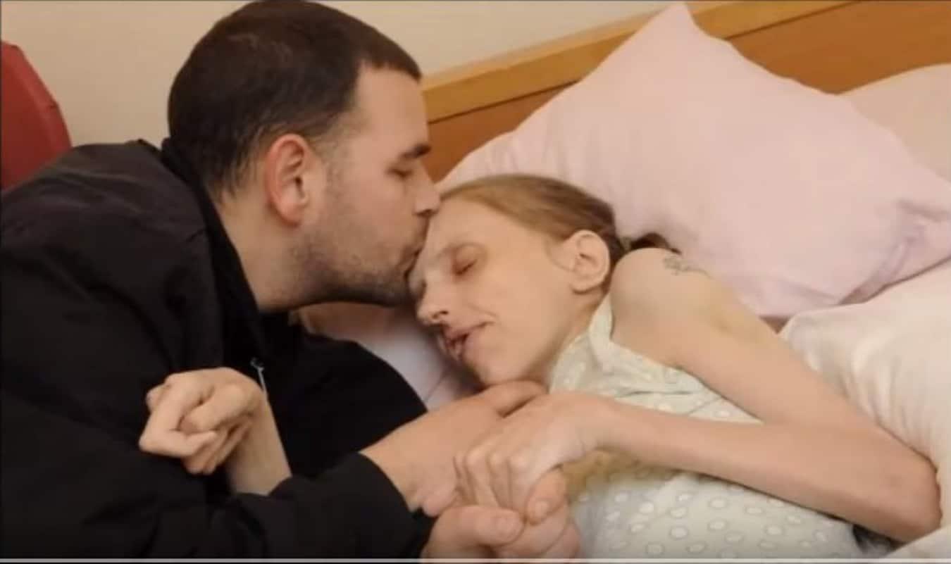 Nie miała żadnych zahamowań i PIŁA nawet 40 PIW dziennie! Zobacz co NAŁÓG zrobił z jej WYGLĄDEM! ( foto)