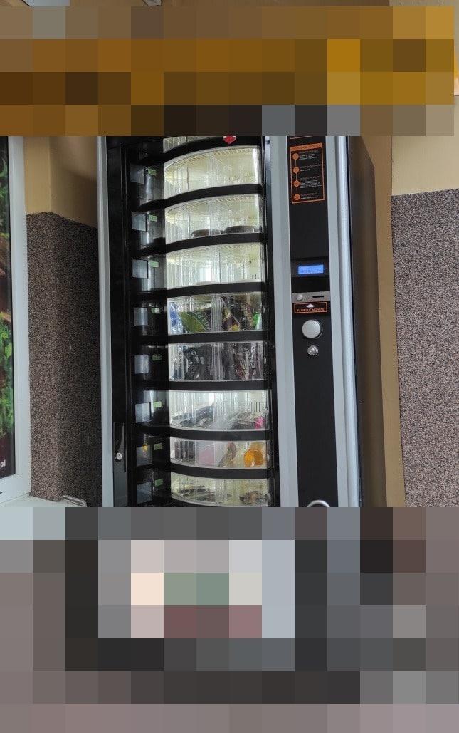 W tym automacie w Lublinie pojawiło się coś obrzydliwego. Zobacz!